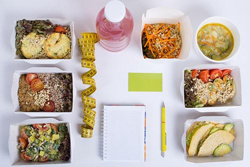 suivi post opératoire, ici des repas équilibré avec un carnet pour noter