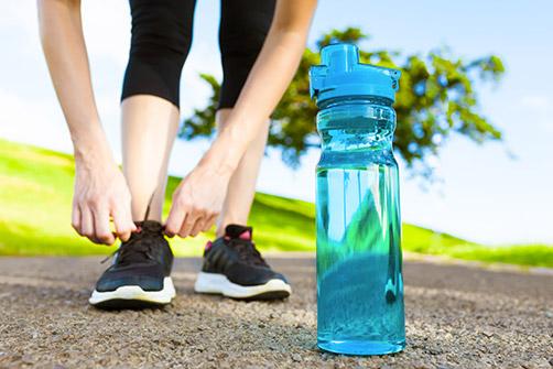 suivi préopératoire, une femme se préparant à courir