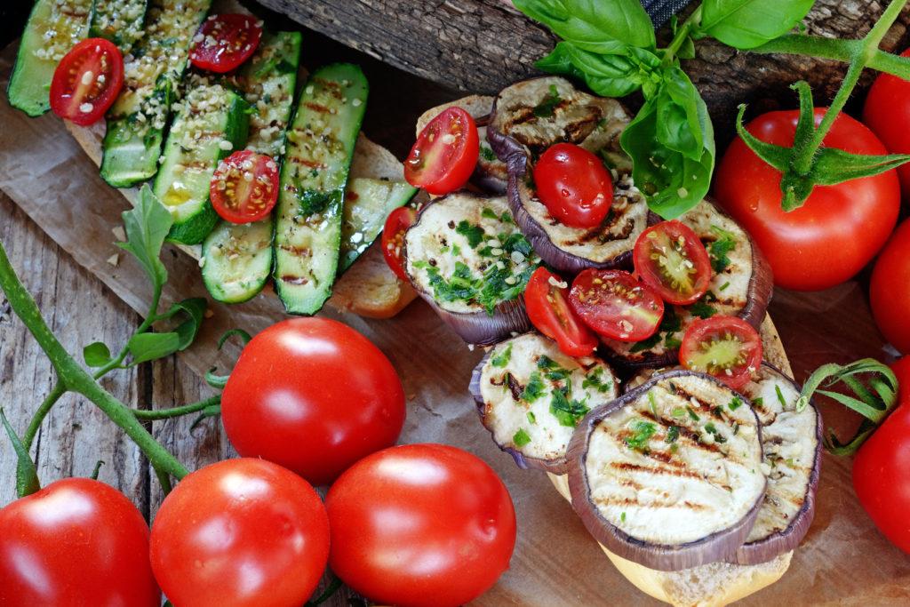 barbecue et légumes