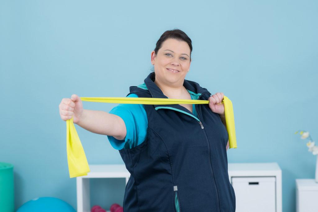 une femme reprend le sport après sa chirurgie de l'obésité