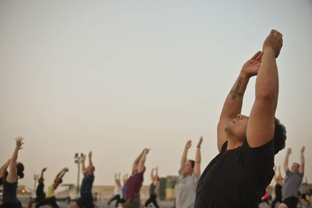 un homme pratique une activité physique adaptée